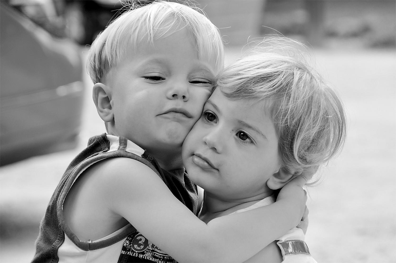 Risultati immagini per comprensione abbraccio