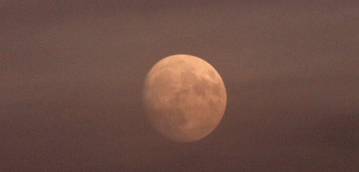 Calendario Lunare Aprile 2020.Calendario Lunare 2019 Ecco Come Osservare La Luna Mese Per